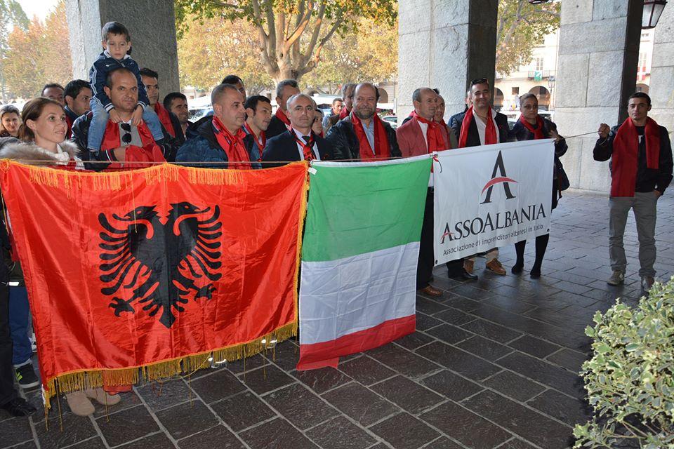 Asti, shqiptarët në protestë